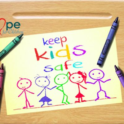 keep-kids-safe-5002D46148A-294A-1F27-D3A5-699EF7C5691A.jpg
