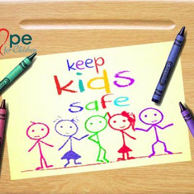 keep-kids-safe-5002D46148A-294A-1F27-D3A5-699EF7C5691A.jpg